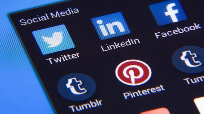 social-media-1795578_1280